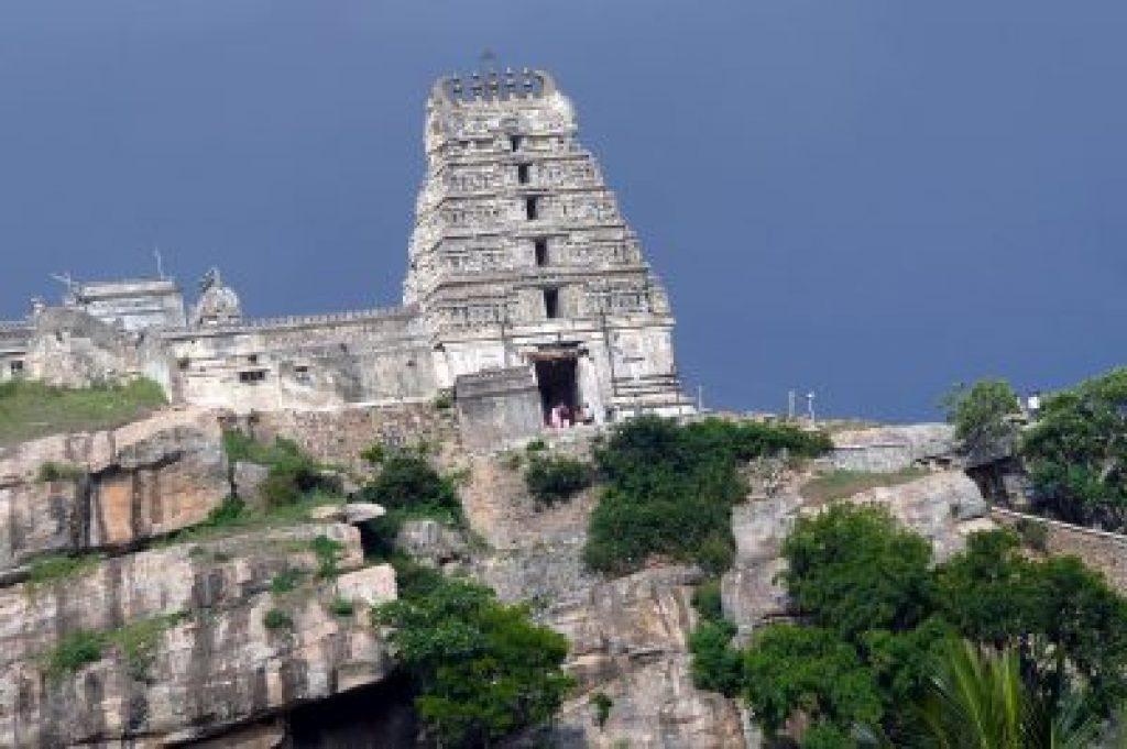 melukote-Cheluvanarayana-Swamy-Temple.
